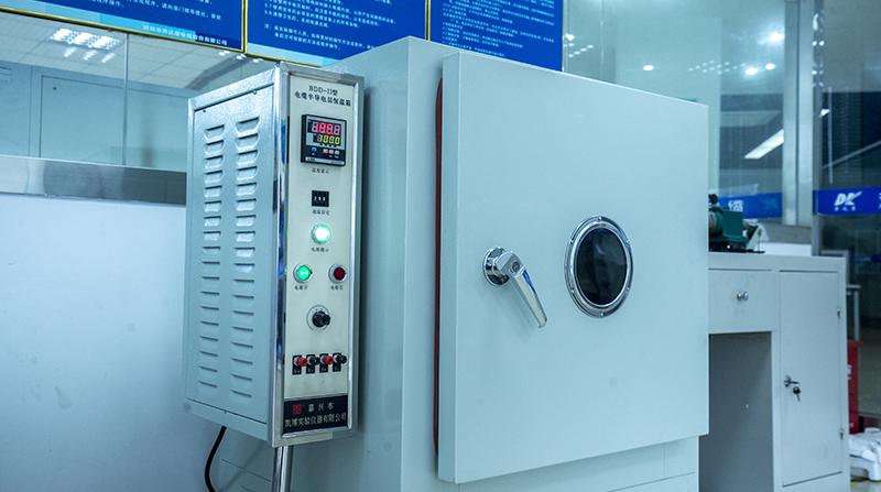 半导电层试验装置